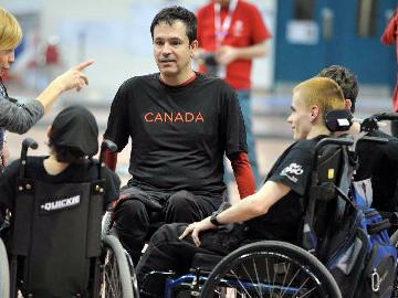 Помощь клубным спортивным командам спортсменов-инвалидов