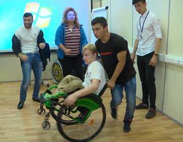 Спортивная коляска для Сергея Гурьева